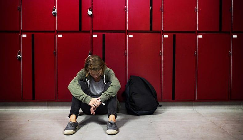 Ostracismo e Depressione: l'effetto della Resilienza sugli adolescenti