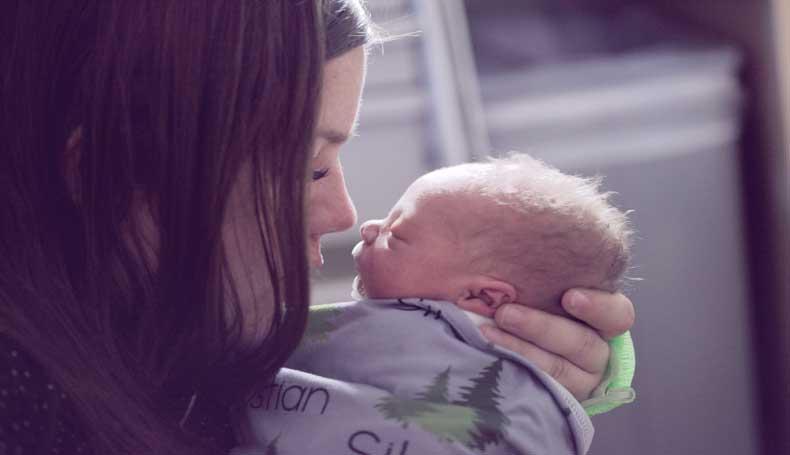 Neo mamme e autolesionismo